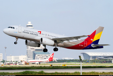 HL7788-Asiana-Airlines-Airbus-A320-200_PlanespottersNet_135651